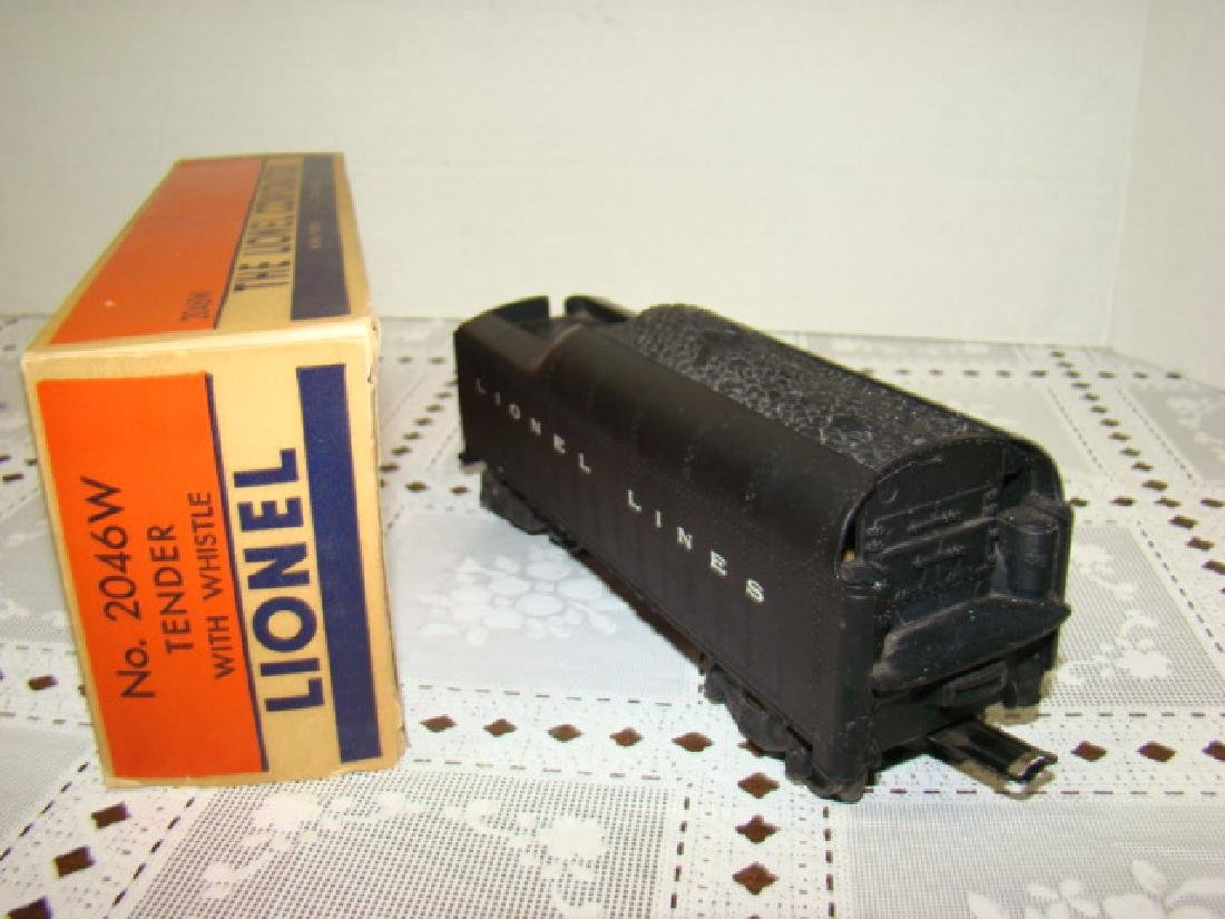 LIONEL TENDER WITH WHISTLE 2046W IN ORIGINAL BOX - 2