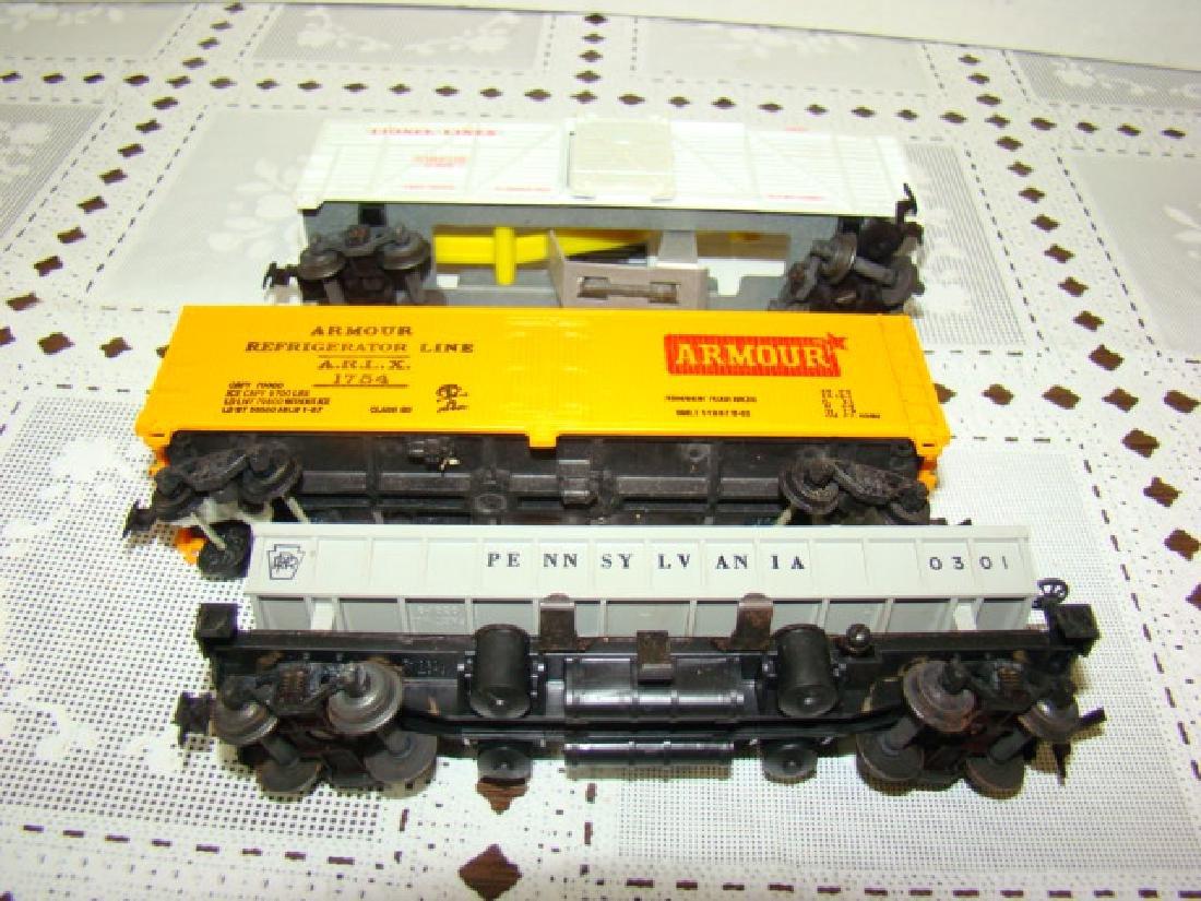 LIONEL HO SCALE CIRCUS CAR-OPERATING COAL DUMP - 4