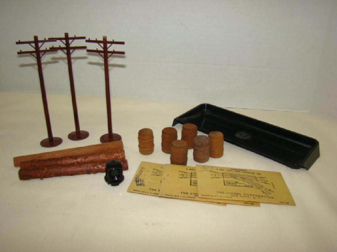 LIONEL ACCESSORIES-BARRELS-LOADING TRAY AND MORE