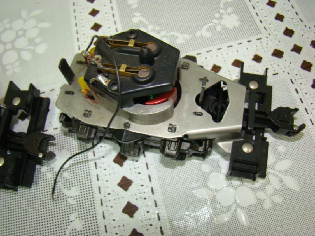 2 LIONEL 8250-125 MOTOR - 2