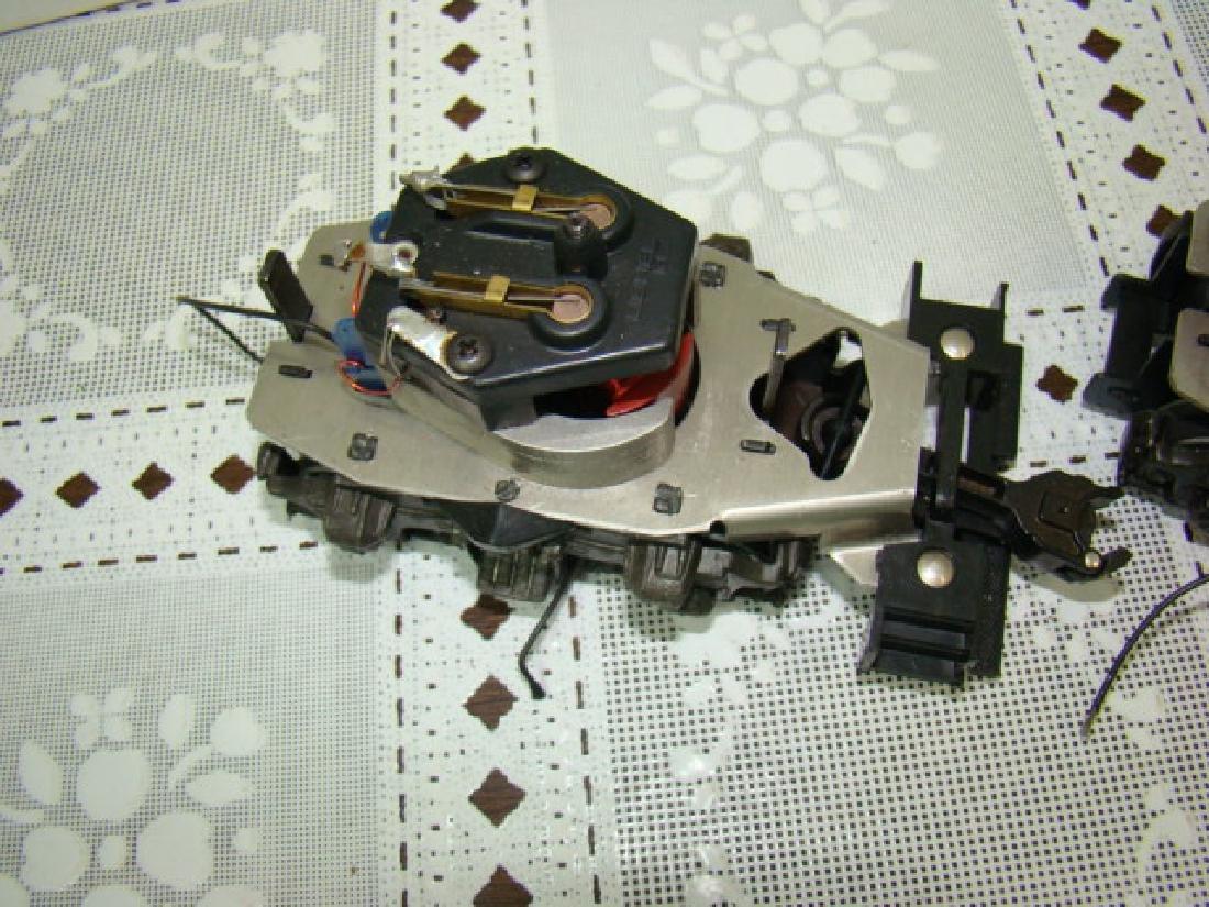 2 LIONEL 8250-125 MOTOR - 3