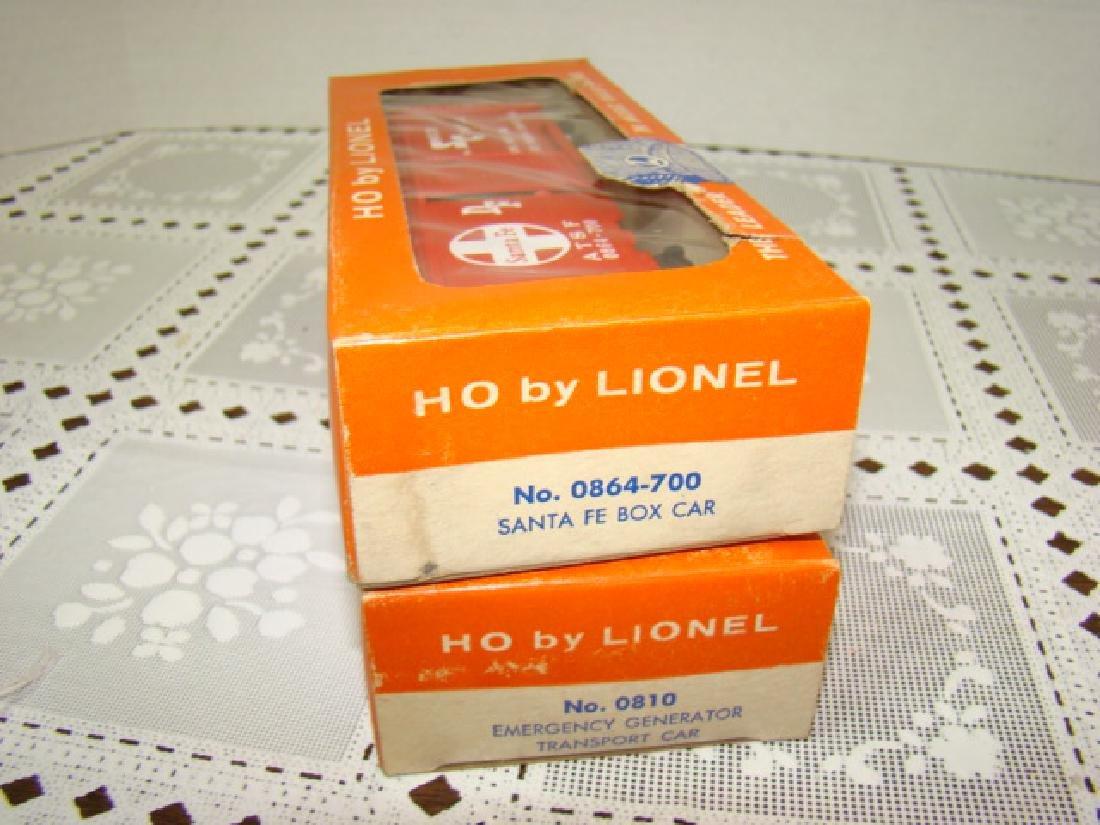 LIONEL HO - SANTA FE BOX CAR & EMERGENCY GENERATOR - 7