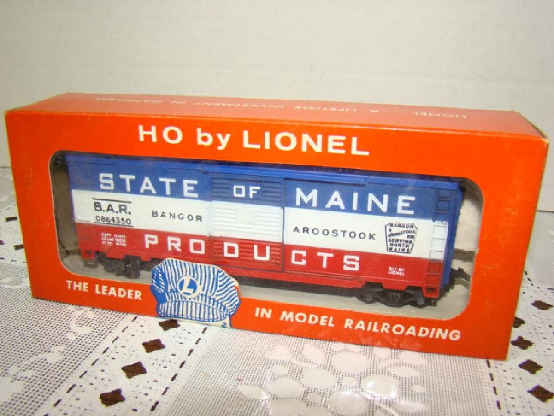 LIONEL HO STATE OF MAINE BOX CAR - IN ORIGINAL BOX