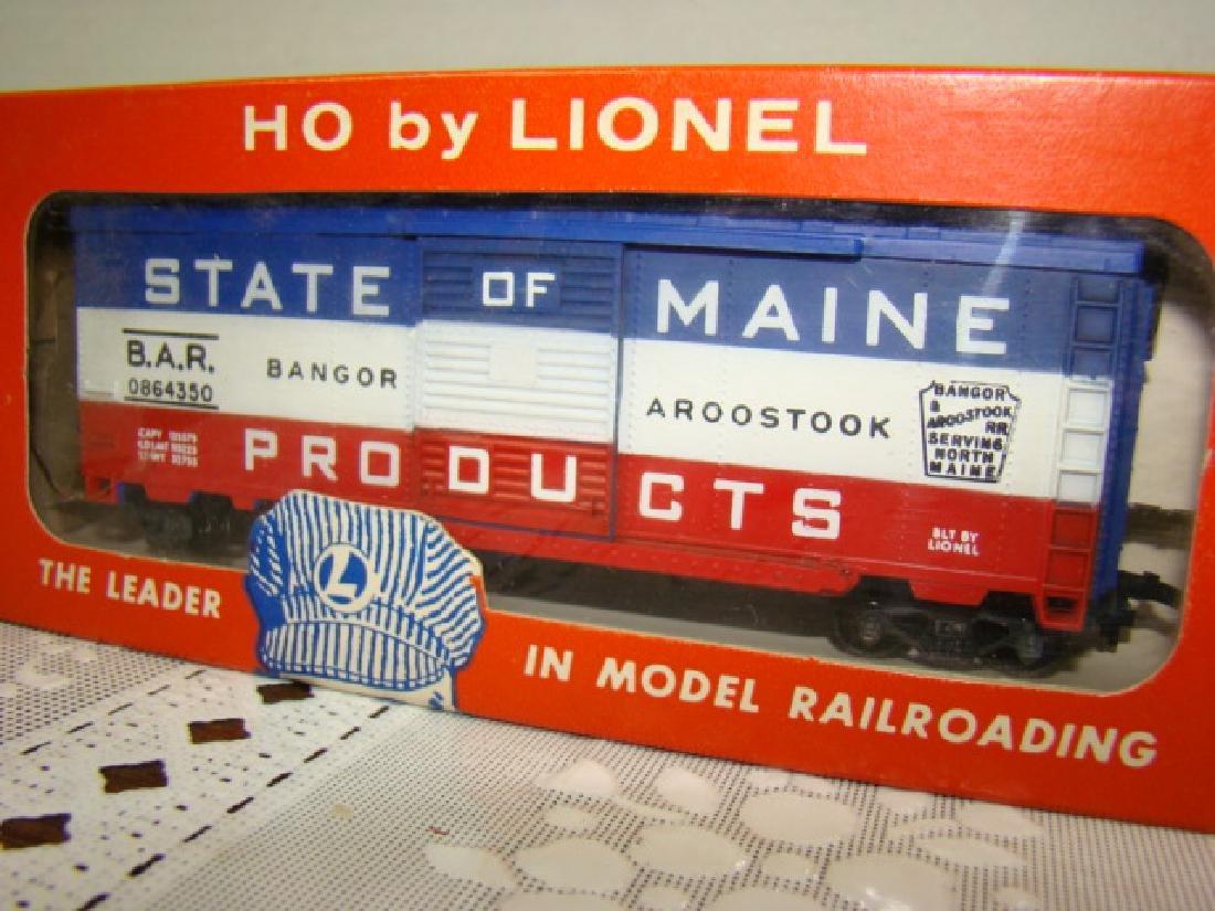 LIONEL HO STATE OF MAINE BOX CAR - IN ORIGINAL BOX - 2