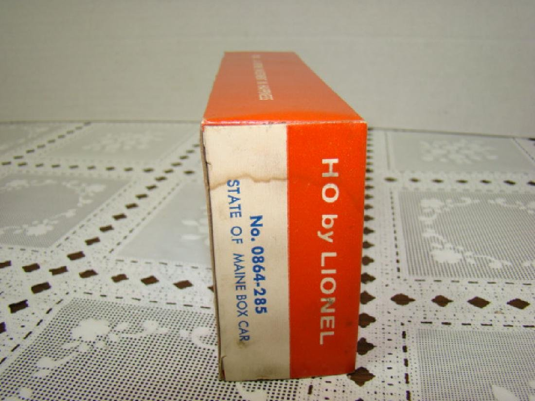 LIONEL HO STATE OF MAINE BOX CAR - IN ORIGINAL BOX - 5