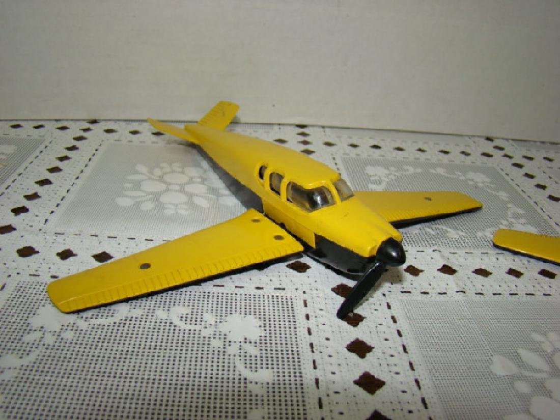 2 LIONEL TRAIN- YELLOW & BLACK AIRPLANES - 3