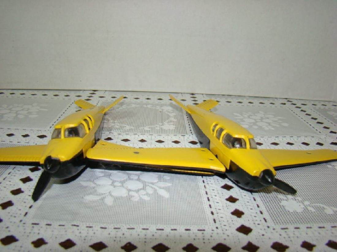 2 LIONEL TRAIN- YELLOW & BLACK AIRPLANES - 4
