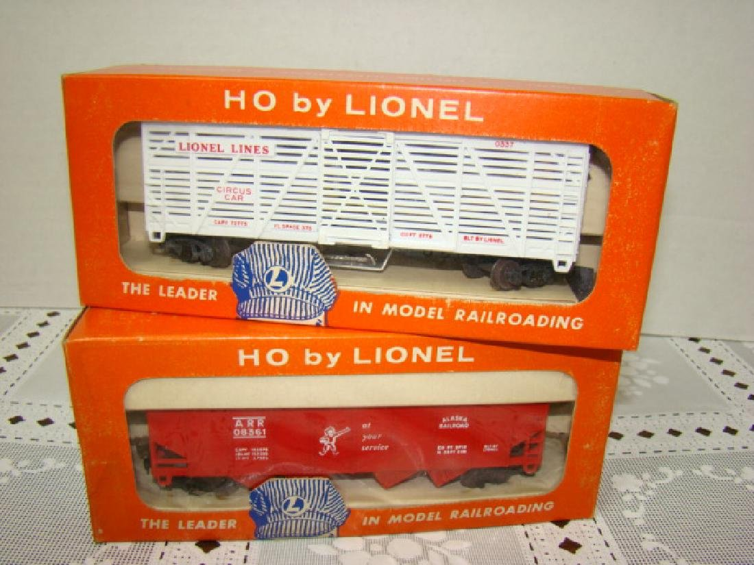 LIONEL HO ANIMATED CIRCUS CAR & ALASKA HOPPER CAR-