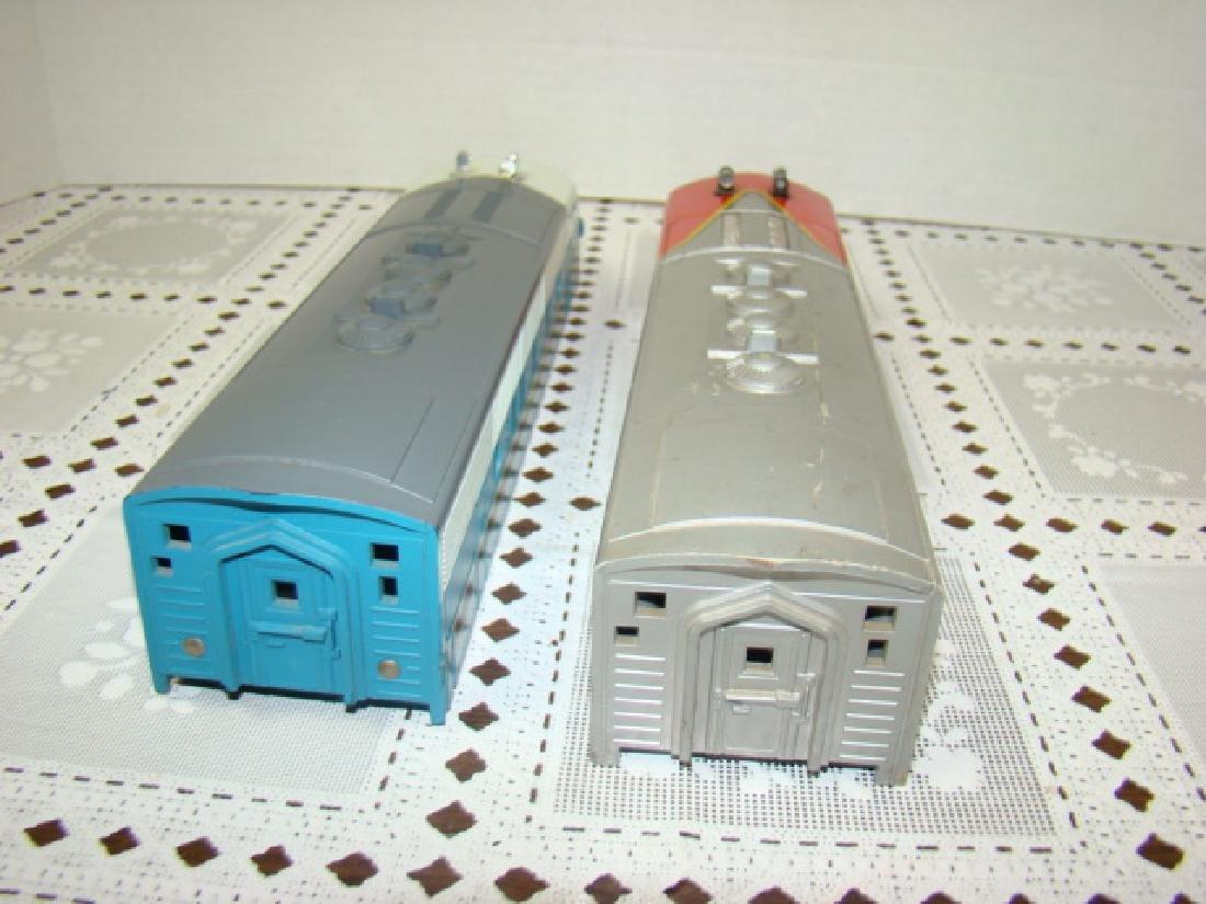 2 LIONEL TRAINS LOCOMOTIVE CAPS - 7