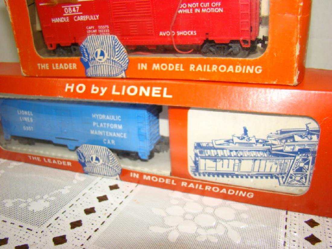 LIONEL TRAINS HO SCALE COP & HOBO CAR & EXPLODING - 3