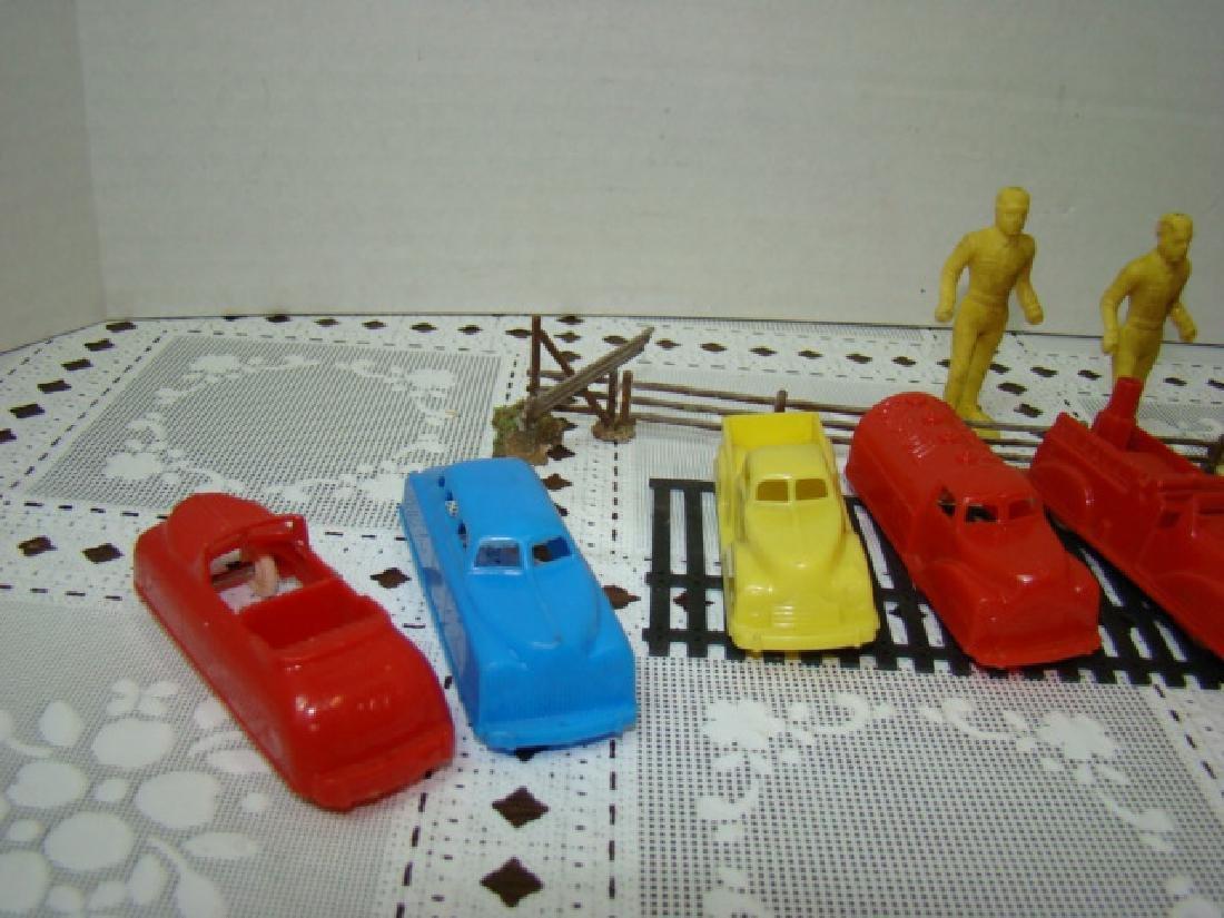 8 VINTAGE RENWAL TOY CARS & MORE - 2