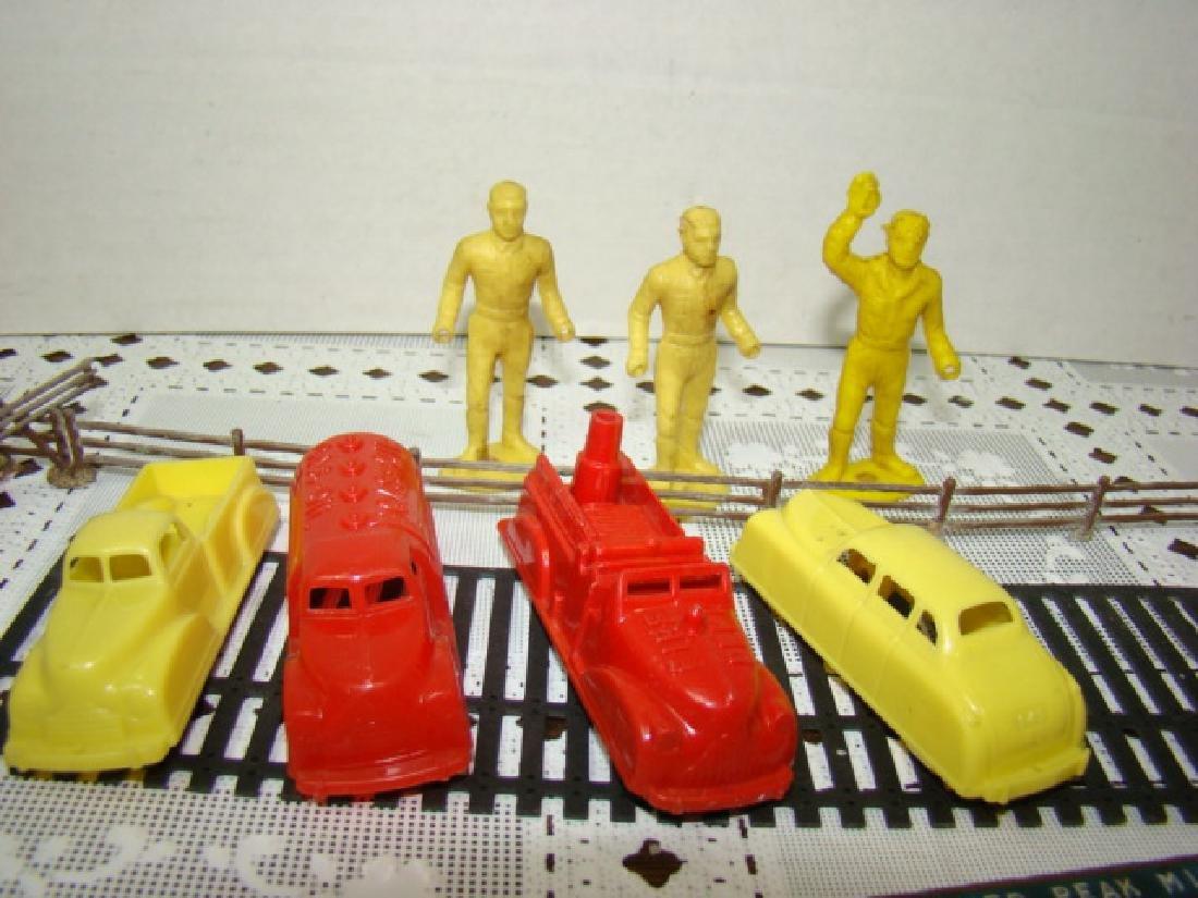 8 VINTAGE RENWAL TOY CARS & MORE - 3