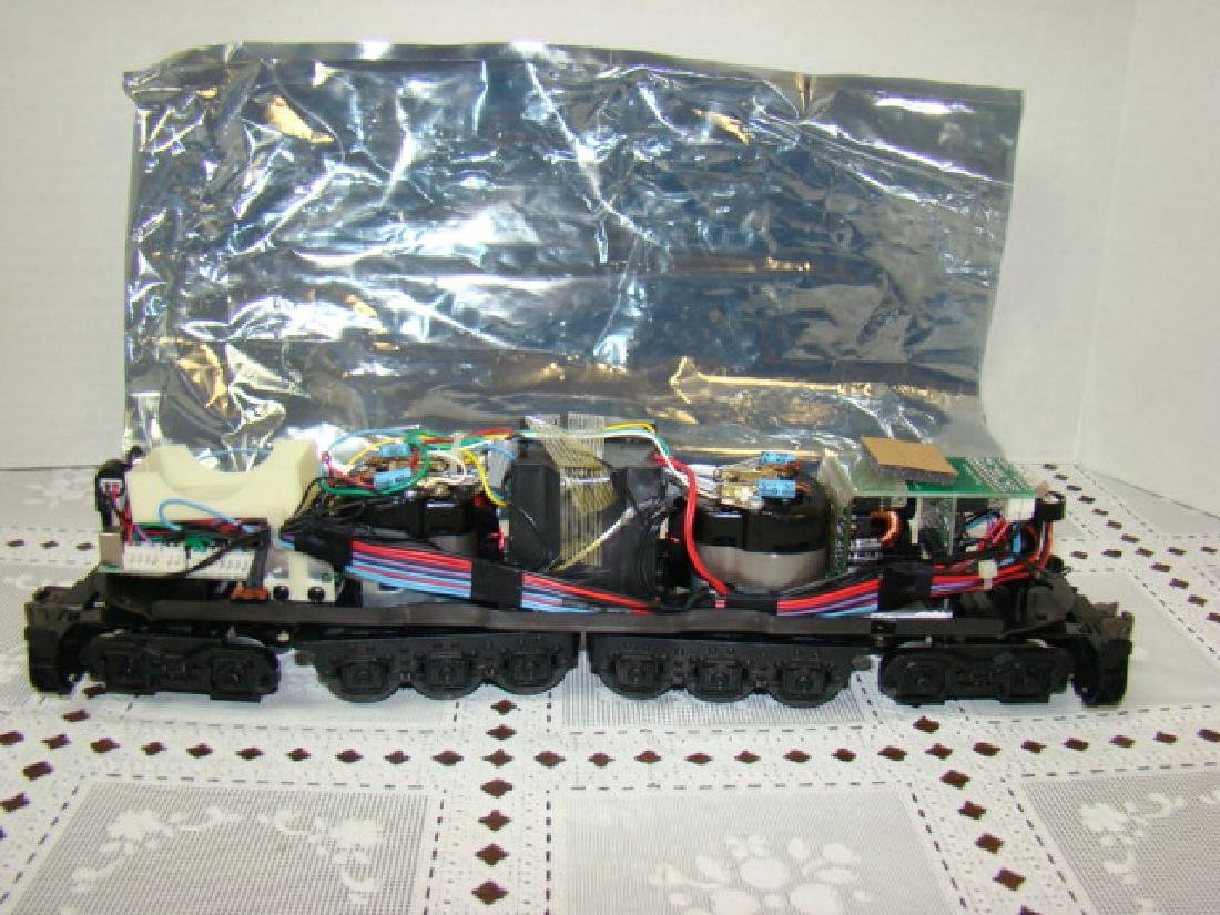 NEW LIONEL MOTOR COMPONENT ON CHASSIS & TRUCKS- NO