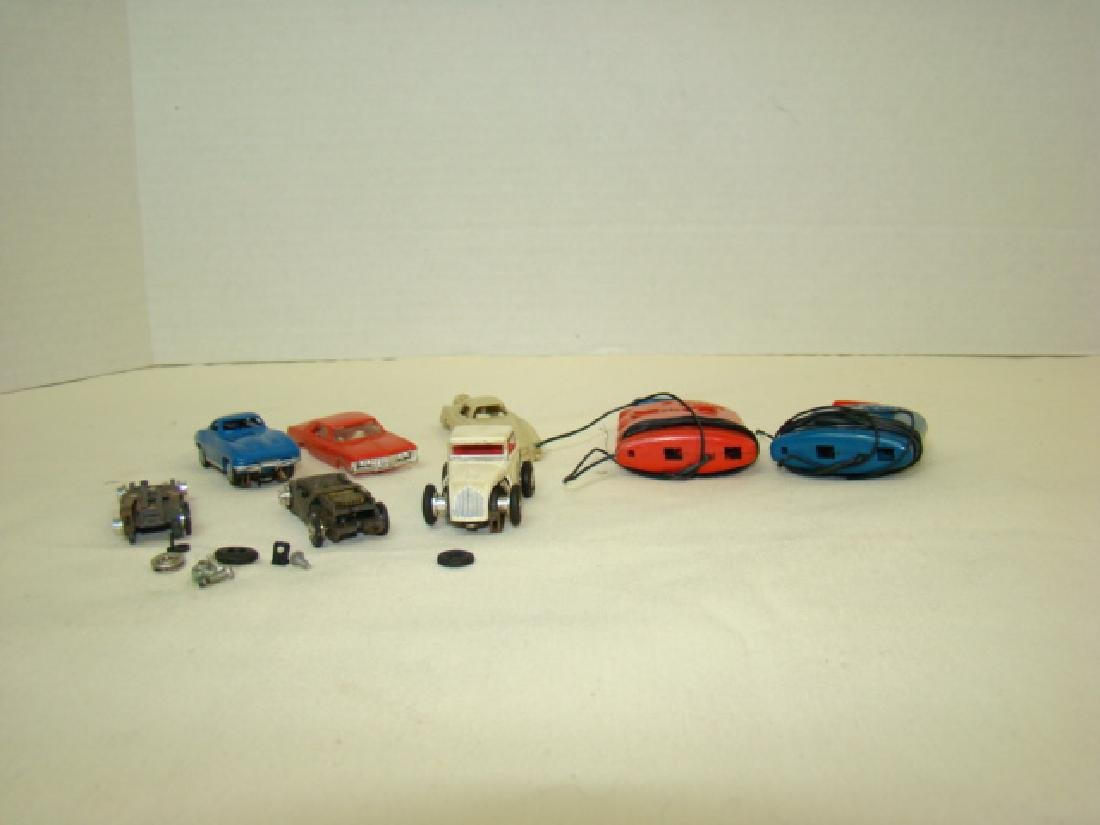 LIONEL HO SLOT CAR RACERS & CONTROLLERS - 2
