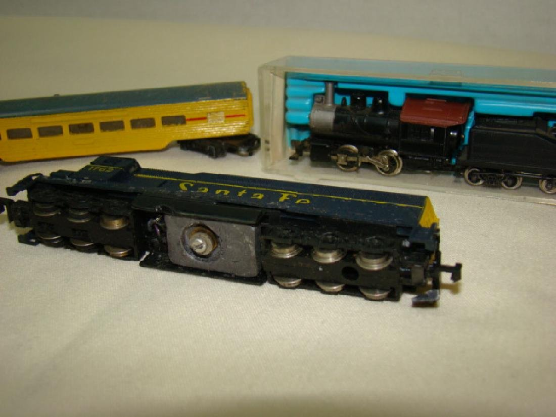 ATLAS N SCALE STEAM LOCO 2185-SANTA FE AND LONE ST - 3