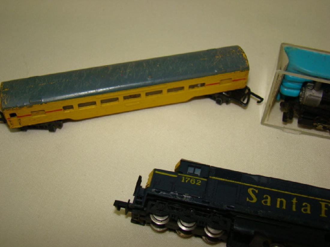 ATLAS N SCALE STEAM LOCO 2185-SANTA FE AND LONE ST - 4
