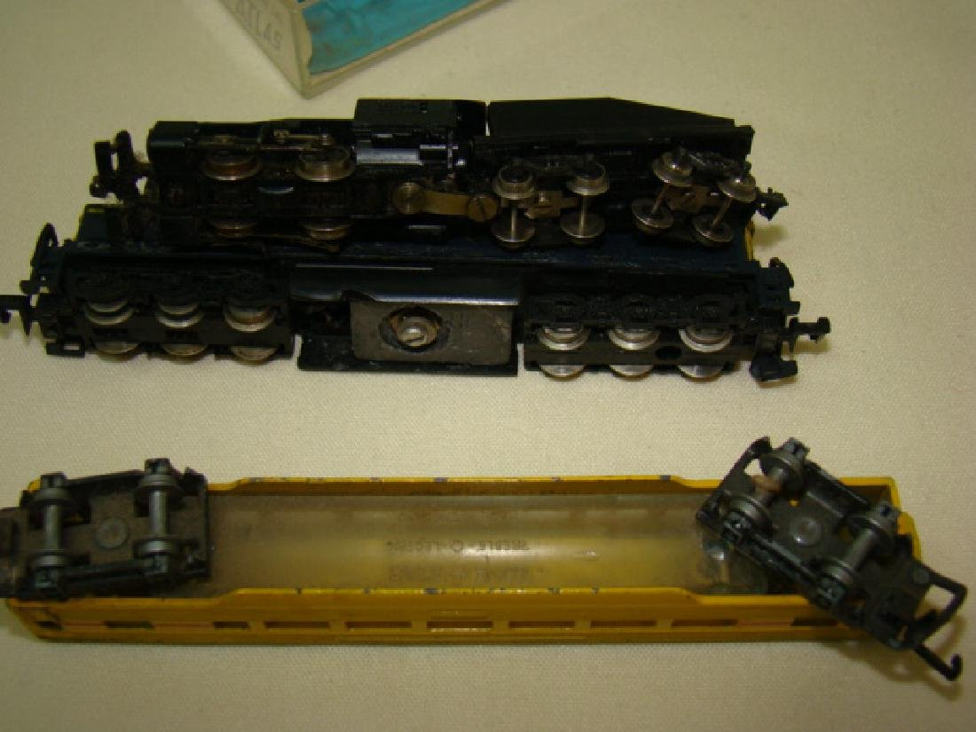 ATLAS N SCALE STEAM LOCO 2185-SANTA FE AND LONE ST - 5