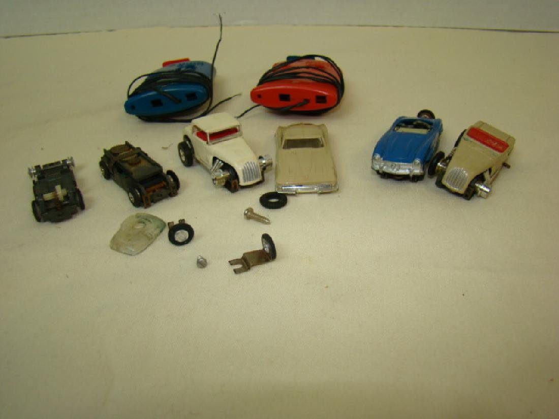 HO LIONEL SLOT CAR RACERS & CONTROLLERS - 3