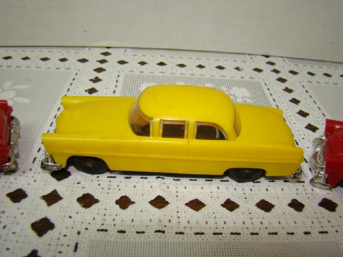 3 LIONEL TOWN CARS - 2 RED & 1 YELLOW - 3