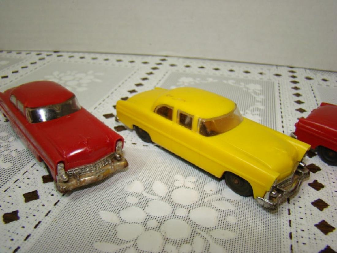3 LIONEL TOWN CARS - 2 RED & 1 YELLOW - 5