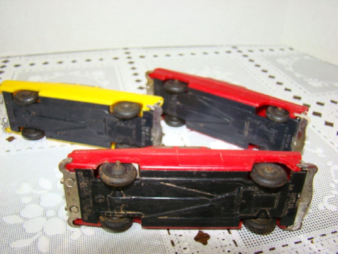 3 LIONEL TOWN CARS - 2 RED & 1 YELLOW - 7