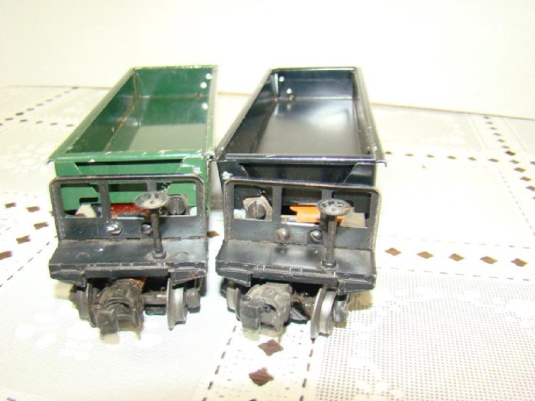 2 LIONEL LINES AUTOMATIC METAL DUMP CARS - 7