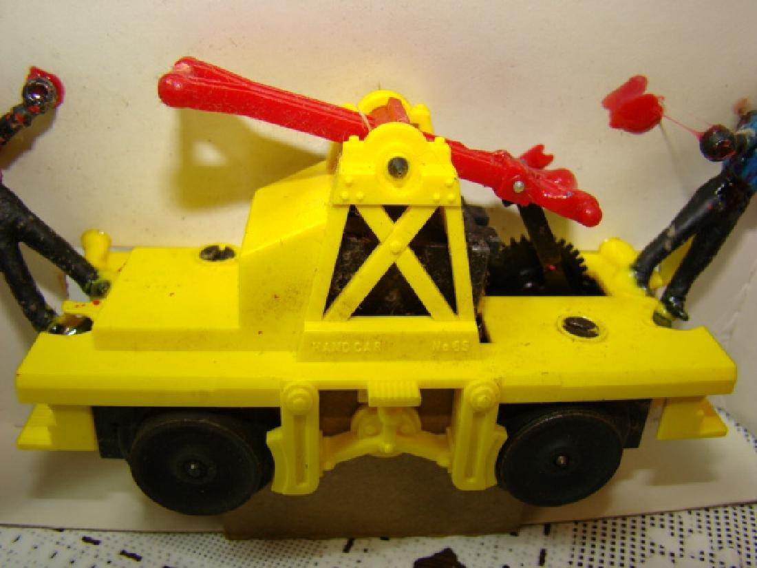 LIONEL TRAINS HO SCALE MOTORIZED HAND CAR NIB - 5