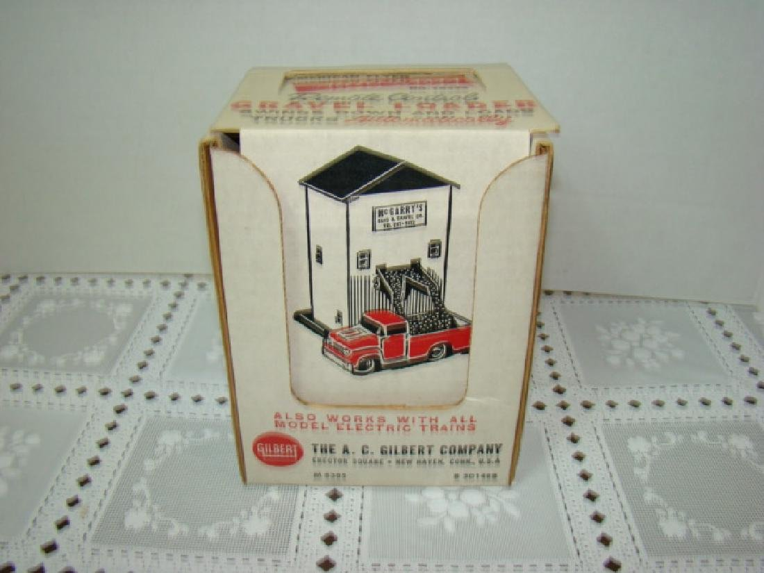 NIB AMERICAN FLYER AUTO-RAMA & TRAIN  GRAVEL LOADE