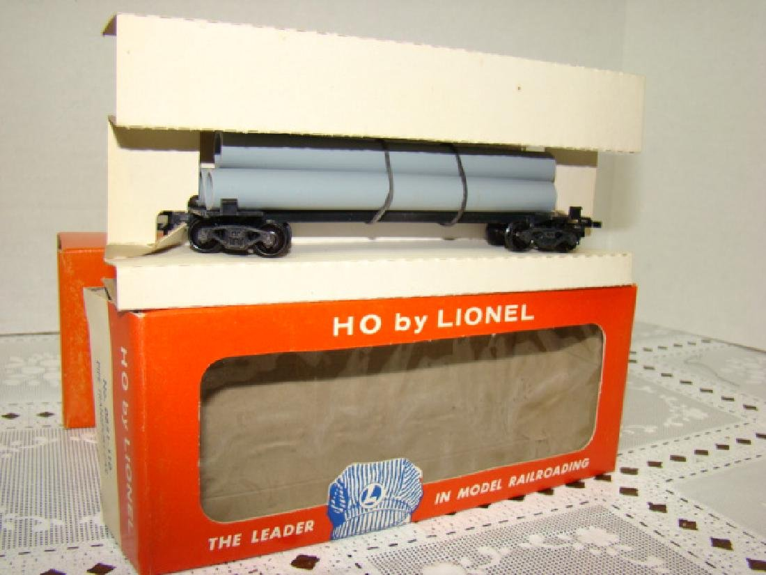 2 LIONEL HO TRANSPORT CARS-HELIUM TANK & PIPE CARS - 4