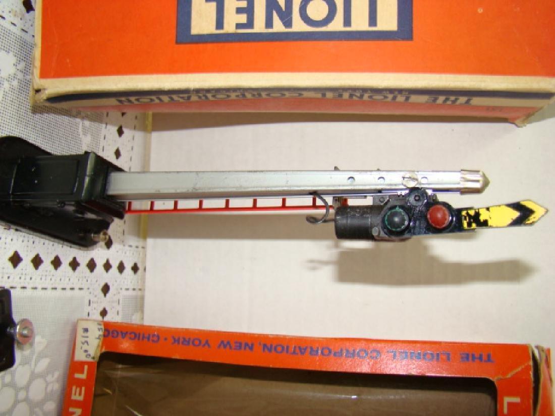 LIONEL O27-GAUGE SEMAPHORE & HIGHWAY SIGNAL - ORIG - 3