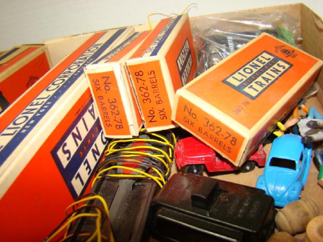 LIONEL TRAINS- BARRELS-REMOTE CONTROL TRACK SETS & - 3