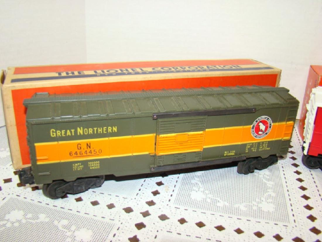 LIONEL TRAINS- GREAT NORTHERN BOX CAR & EXPLODING - 2