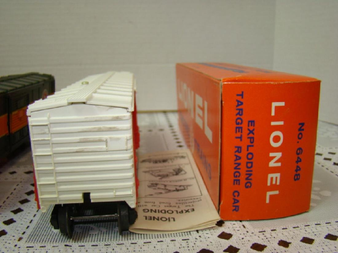 LIONEL TRAINS- GREAT NORTHERN BOX CAR & EXPLODING - 4