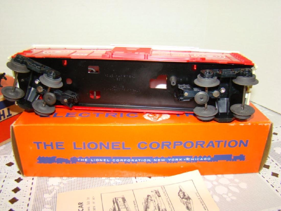 LIONEL TRAINS- GREAT NORTHERN BOX CAR & EXPLODING - 5