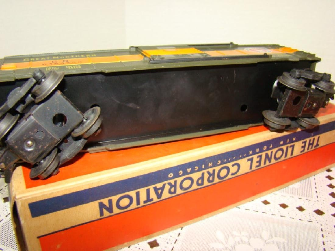 LIONEL TRAINS- GREAT NORTHERN BOX CAR & EXPLODING - 6
