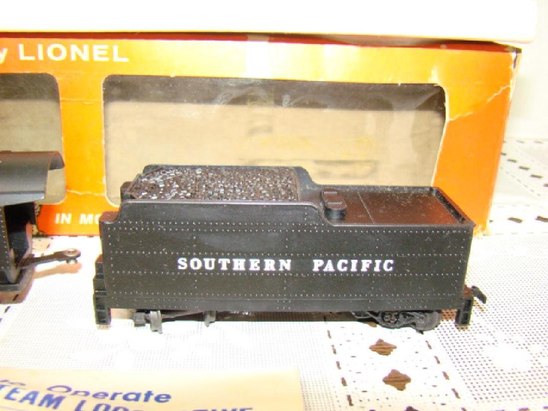 LIONEL HO SCALE LOCOMOTIVE & TENDER IN ORIGINAL BO - 4