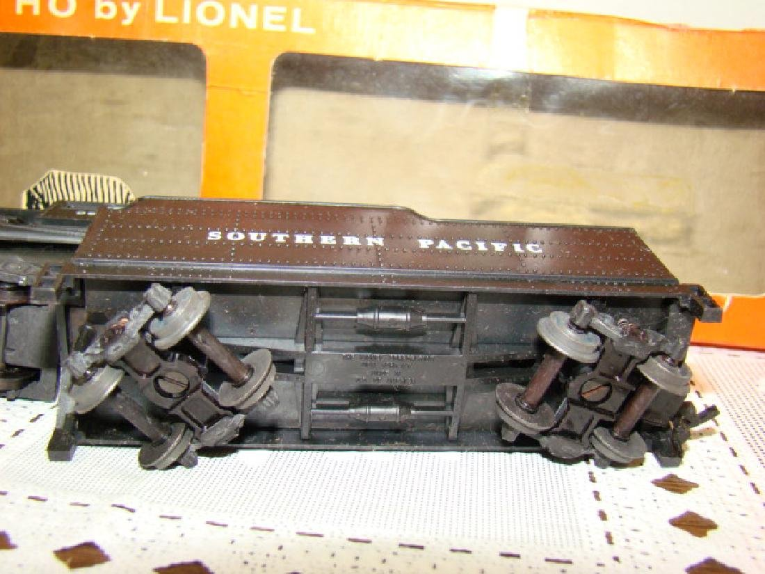 LIONEL HO SCALE LOCOMOTIVE & TENDER IN ORIGINAL BO - 6