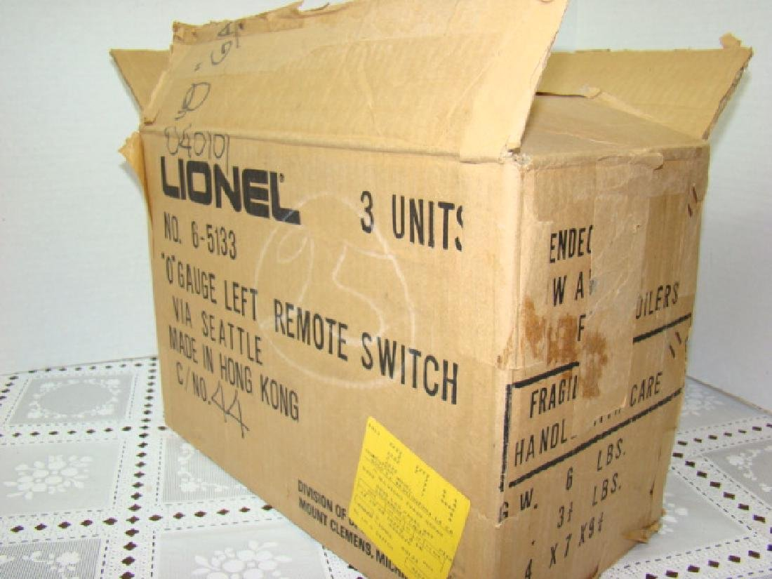 2 LIONEL 6-1532 RIGHT SWITCHES & ONE 6-1533 LEFT S - 4