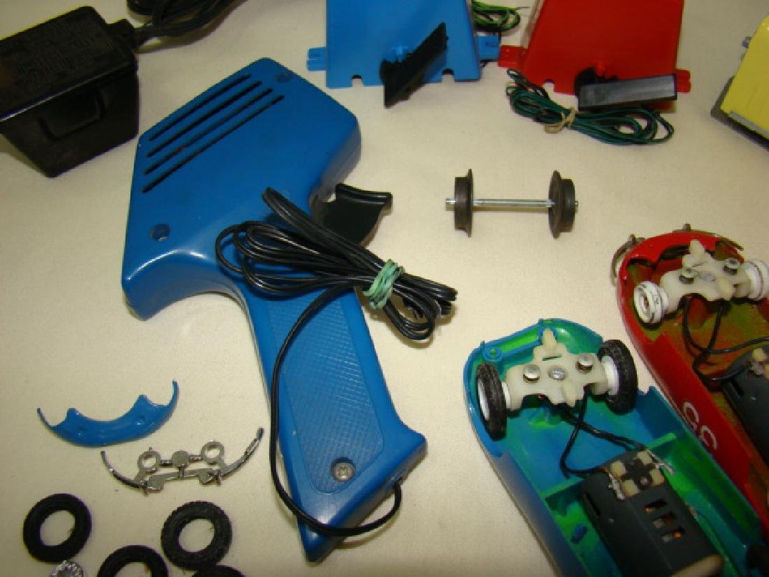 MIXED SLOT CAR LOT-GILBERT-ELDON & POWER PASSERS - 7