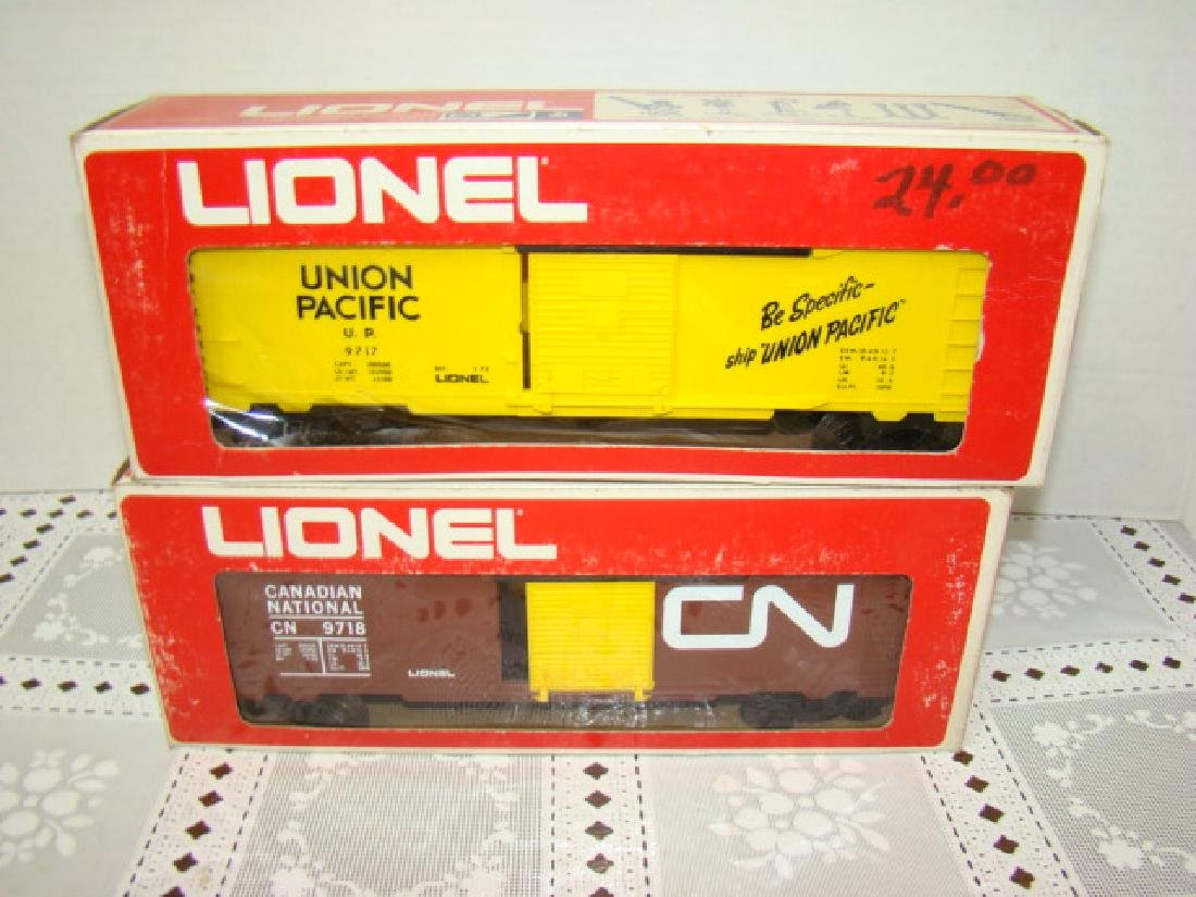 LIONEL UNION PACIFIC BOX CAR 6-9717 AND CANADIAN N
