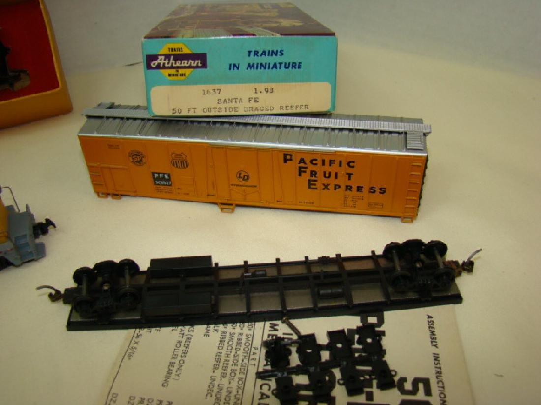 HO SCALE MIXED LOT - 2