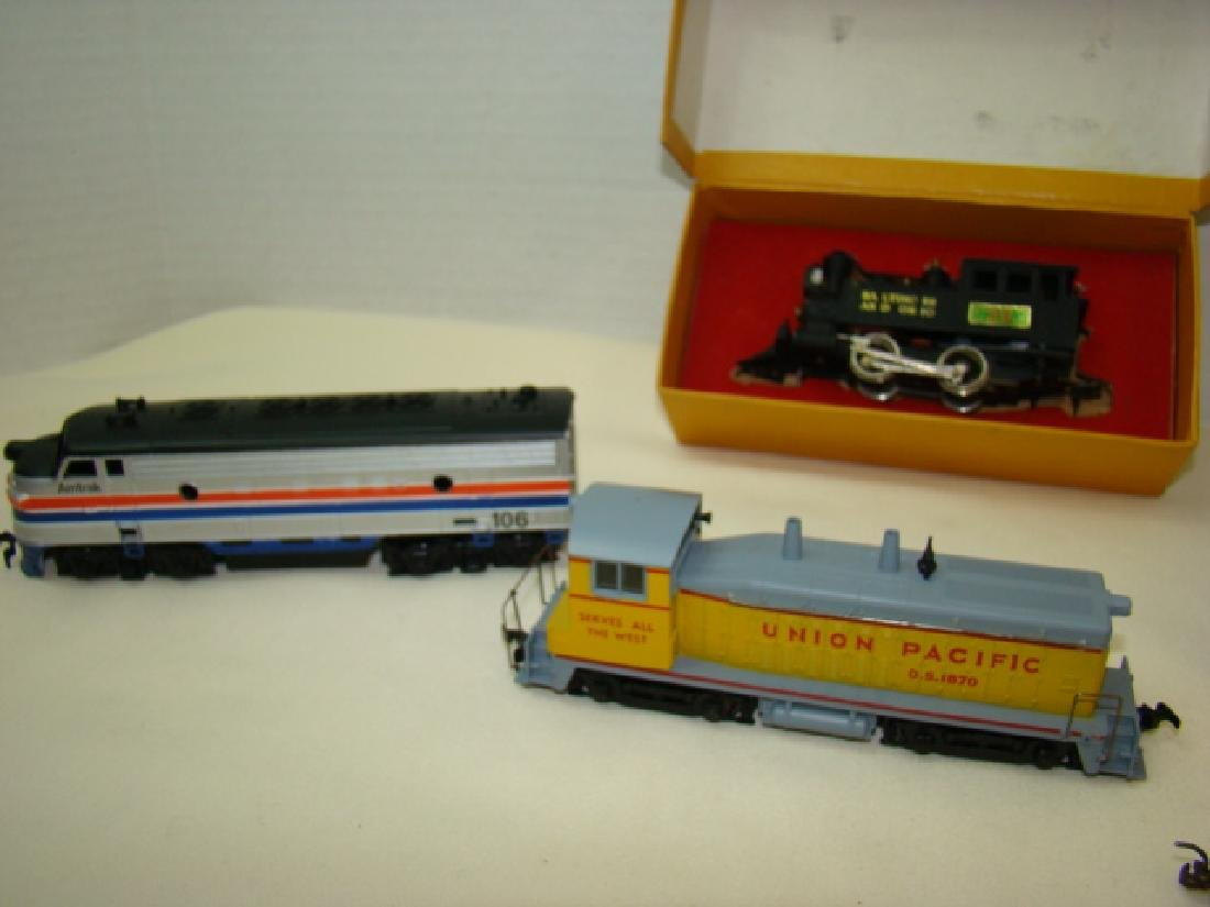 HO SCALE MIXED LOT - 3