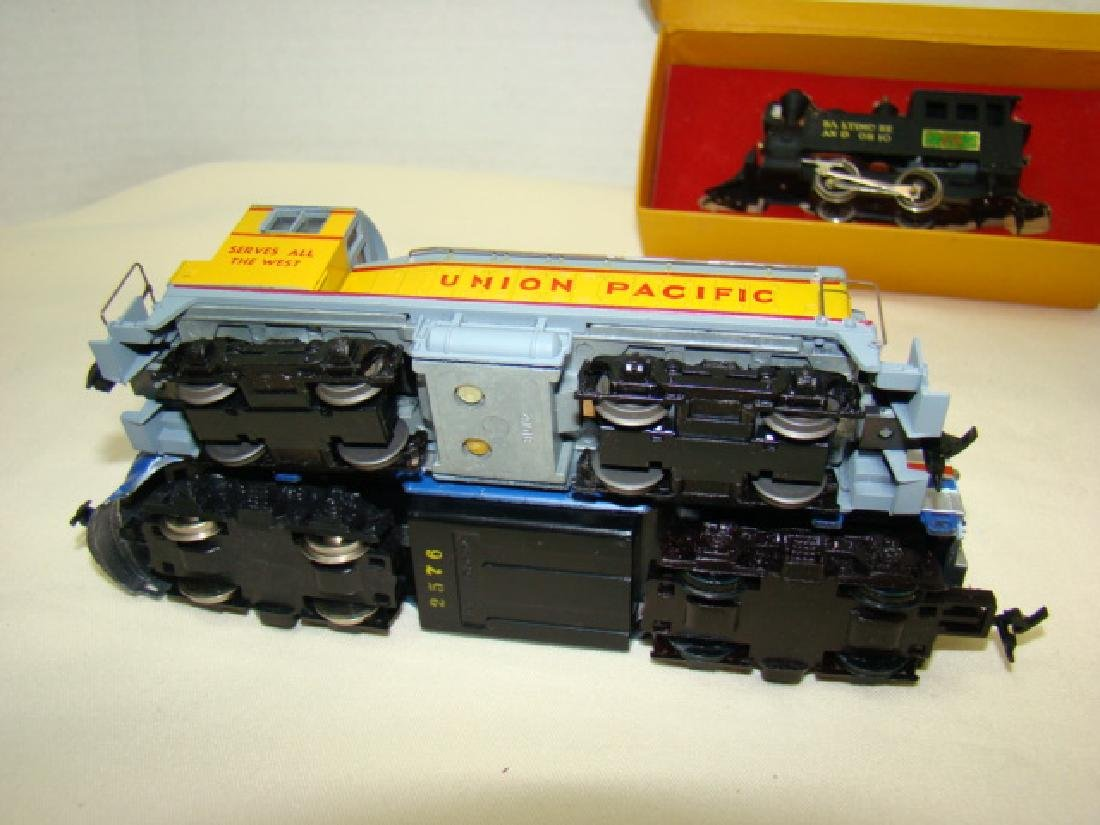 HO SCALE MIXED LOT - 4
