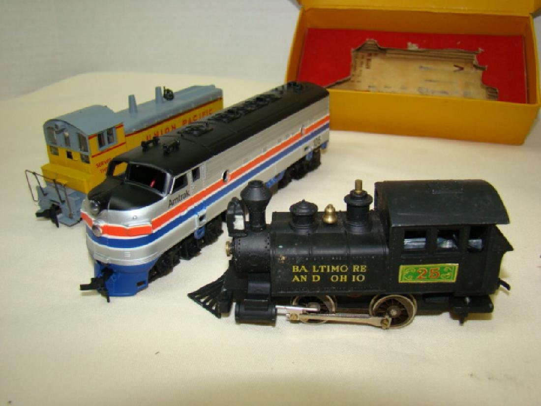 HO SCALE MIXED LOT - 5