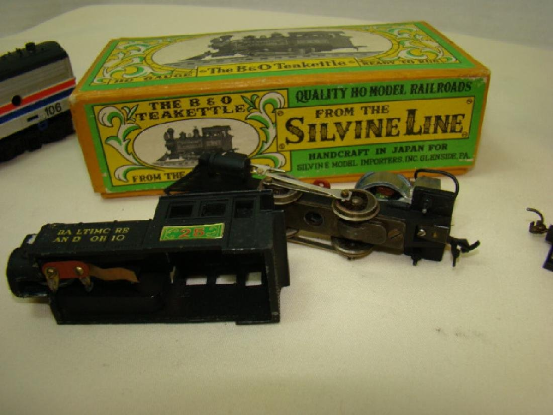 HO SCALE MIXED LOT - 8