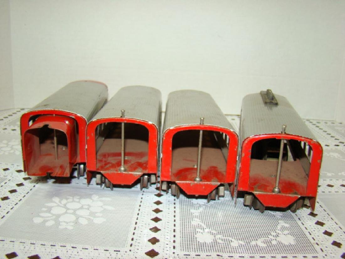 LIONEL TRAIN LINES - LIONEL JR 4 PIECE TIN TRAIN S - 7