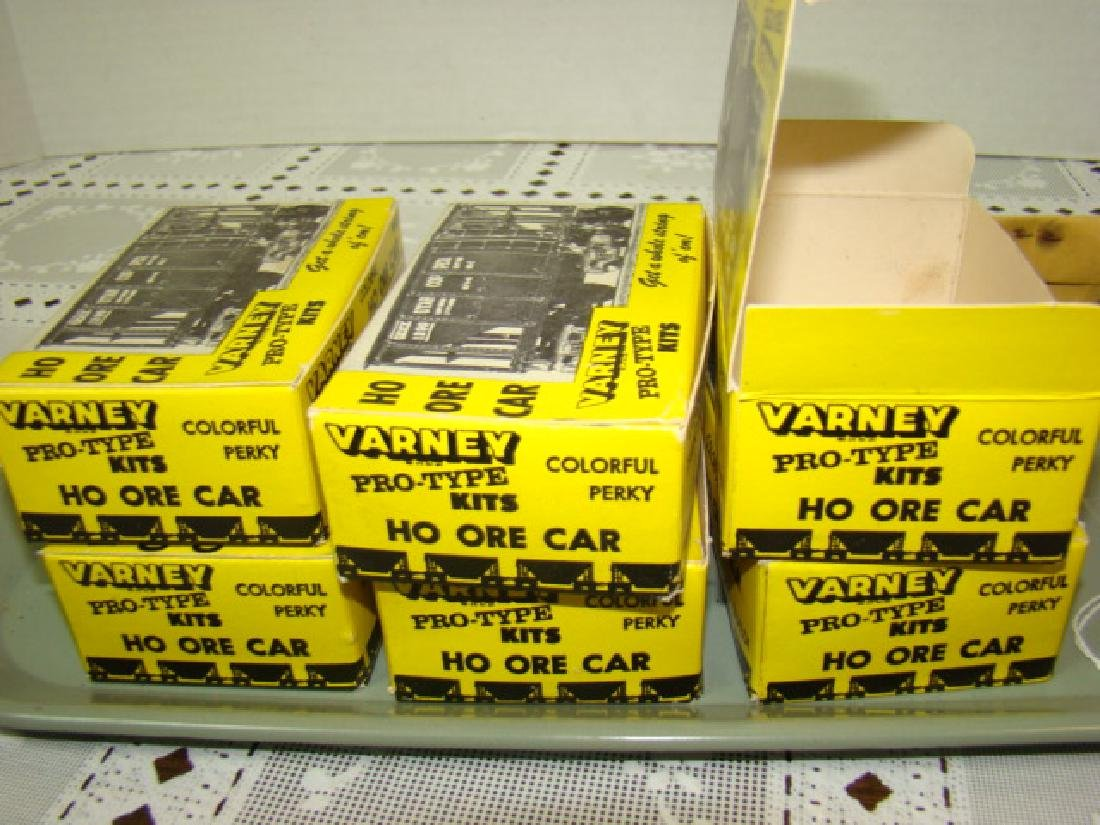 6 VARNEY ORE CAR KITS PLAIN SIDES- NEW OLD STOCK - 3