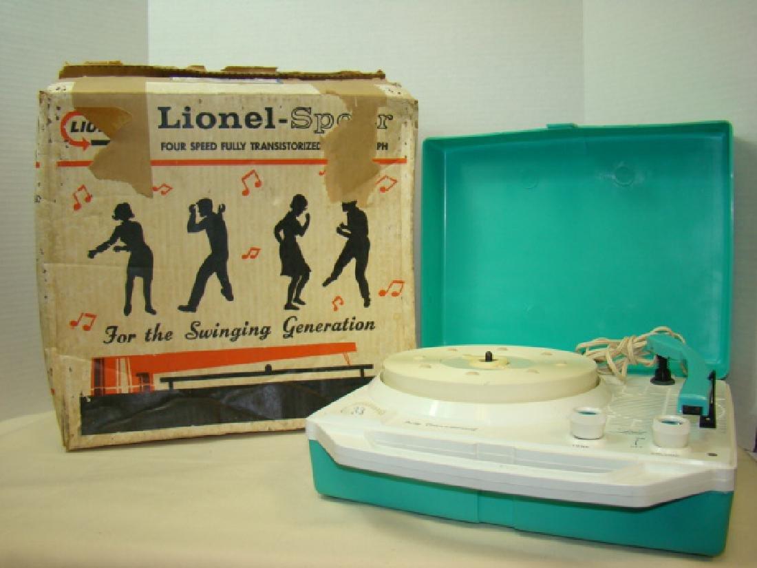 LIONEL 44360 RECORD PLAYER IN BOX