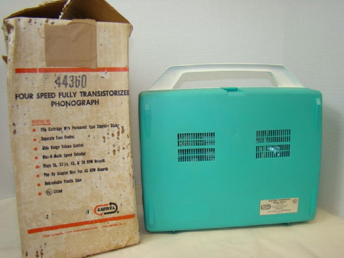 LIONEL 44360 RECORD PLAYER IN BOX - 4