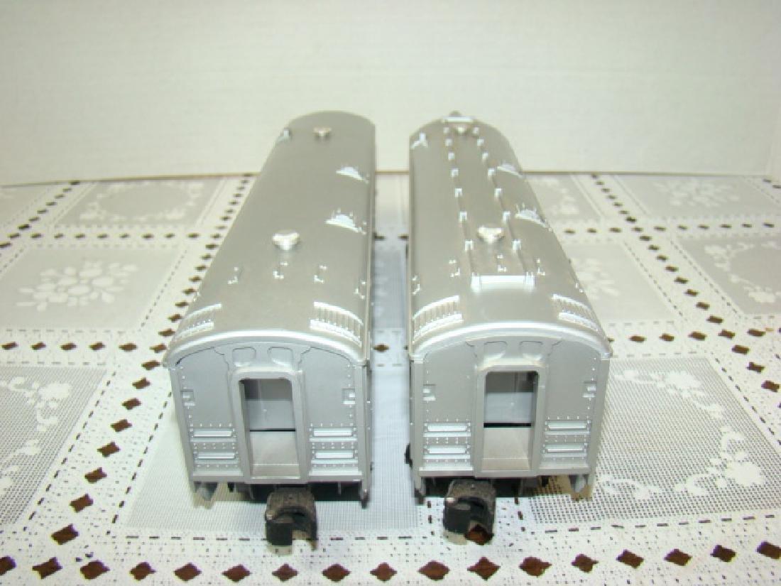 2 LIONEL LINES PASSENGER & OBSERVATION CAR - 5